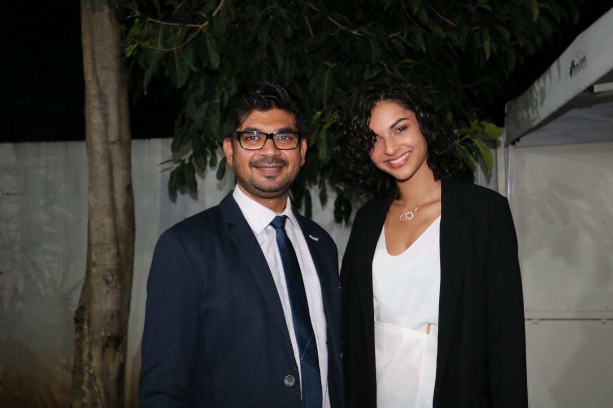 Noor Maharaullee, interprète du Consulat de l'Inde à La Réunion, et Azuima Issa