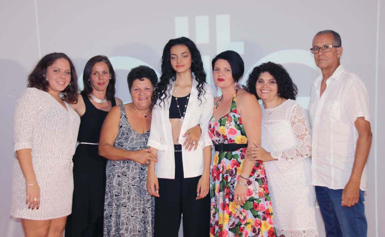La photo de Kiana avec sa famille et ses amies