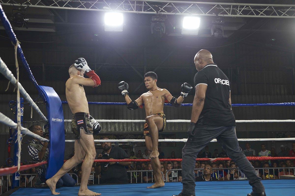 1contrôlable 4: les Thaïlandais dominent les débats