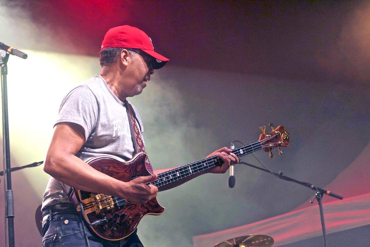 Stanley Clarke en concert à la Ravine Saint-Leu