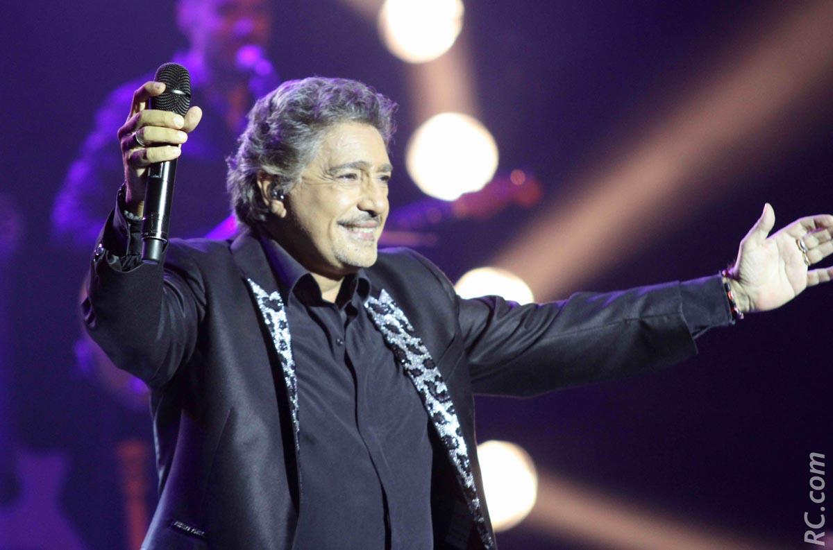 A 67 ans, le crooner Frédéric François reste dans le cœur de ses admiratrices