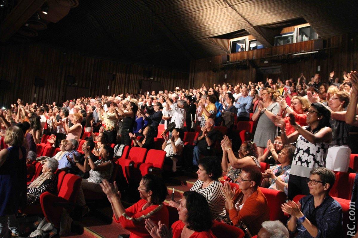 Salle comble pour le dernier spectacle de Frédéric François produit par Kalbass Production