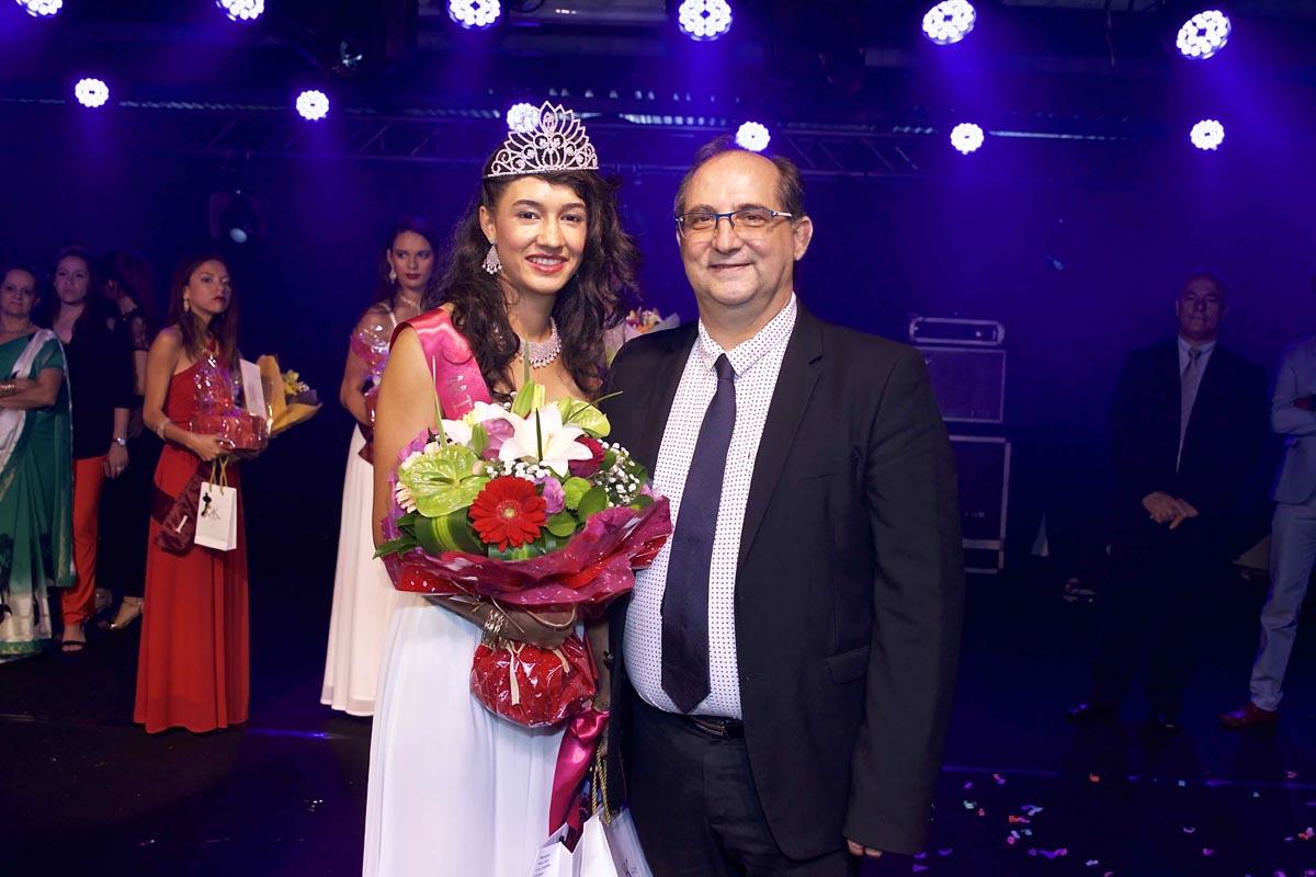Rachel Nourry, Miss Salazie 2018, avec son maire Stéphane Fouassin