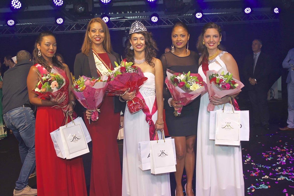 Les lauréates avec Estelle Bordier et Natacha Basson