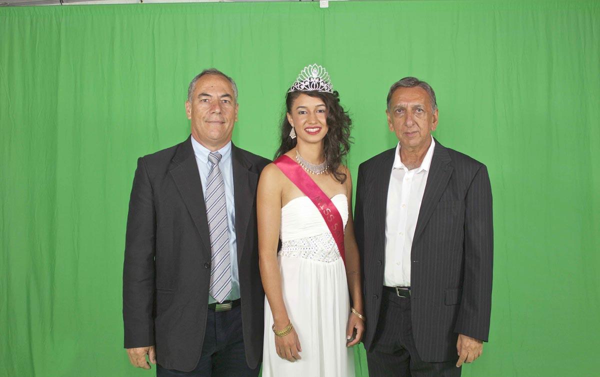Dominique Boyer, président Comité Fête et Traditions, Rachel Nourry, et Aziz Patel du Comité Miss Réunion