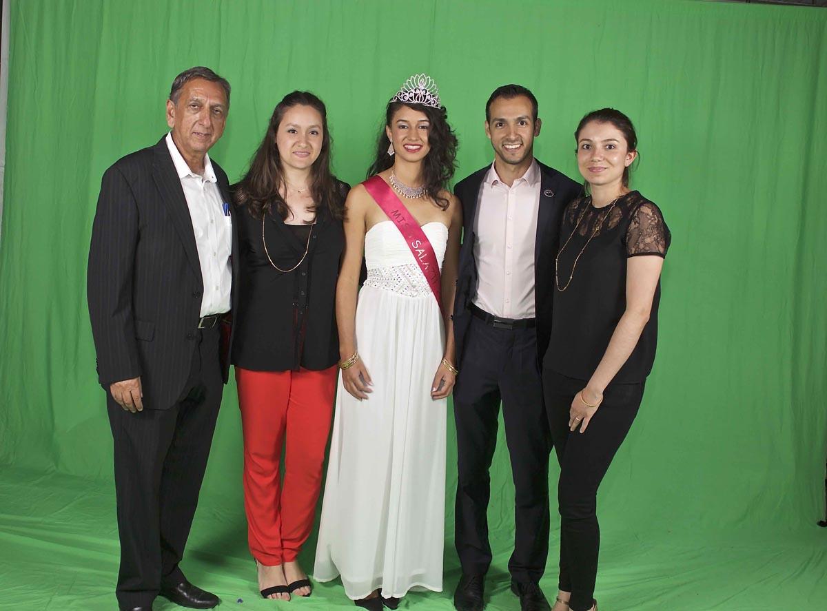 Aziz Patel, Pouja Kalidas, Rachel Nourry, Raj Kalidas et son amie Charlotte
