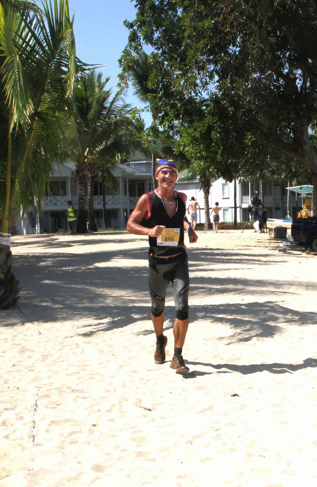 Yan de Marrousem, pionnier du trail à Maurice, boucle ses 55km en 7h 52'