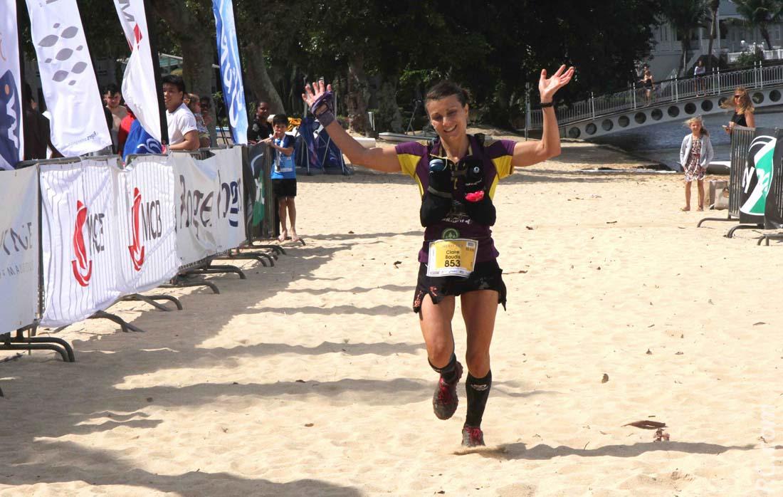 La surprenante Claire Baudis de la Réunion, qui remporte l'épreuve des 55 km, en 7h 04'17''