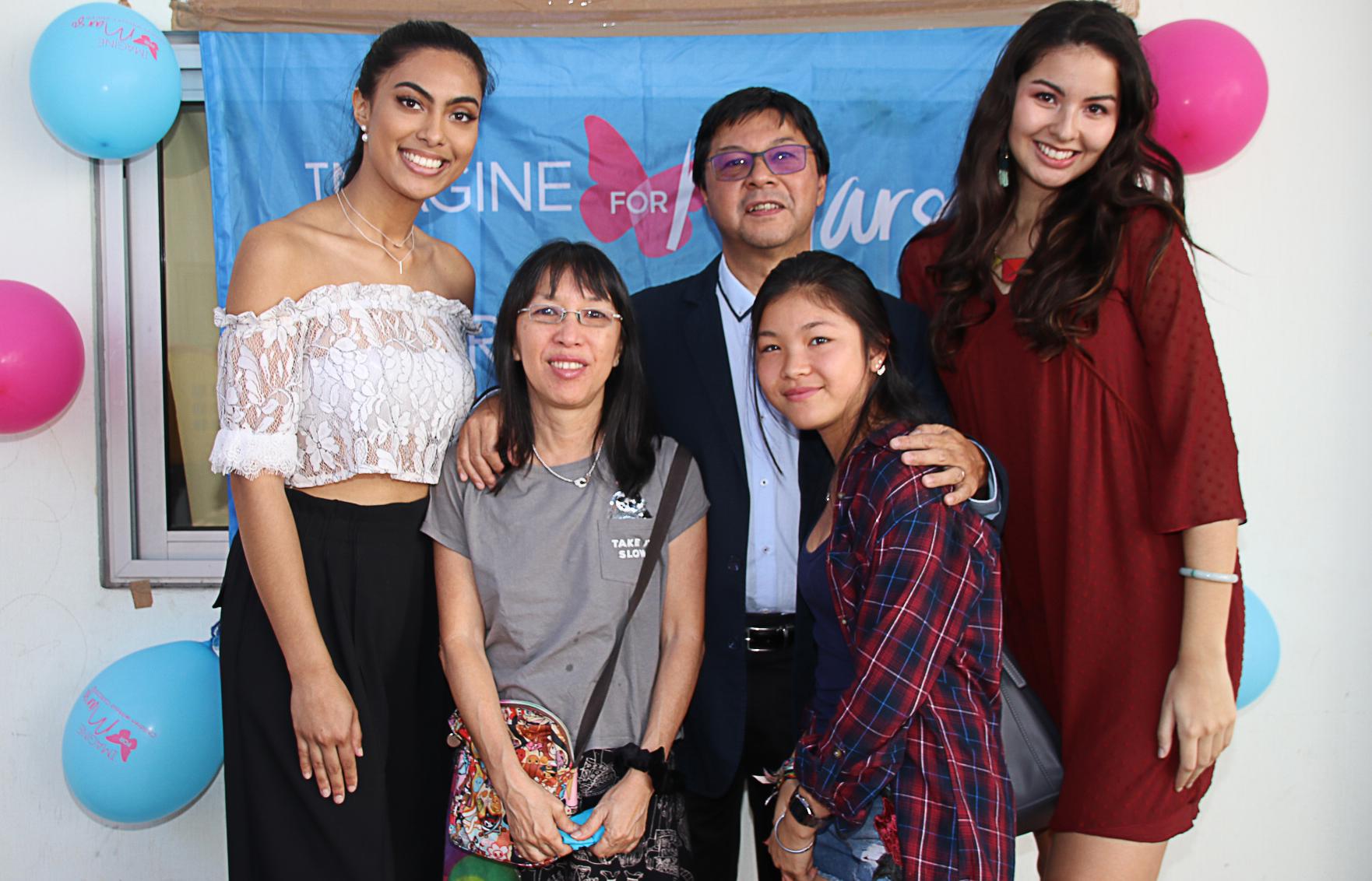 Avec la famille Ayan