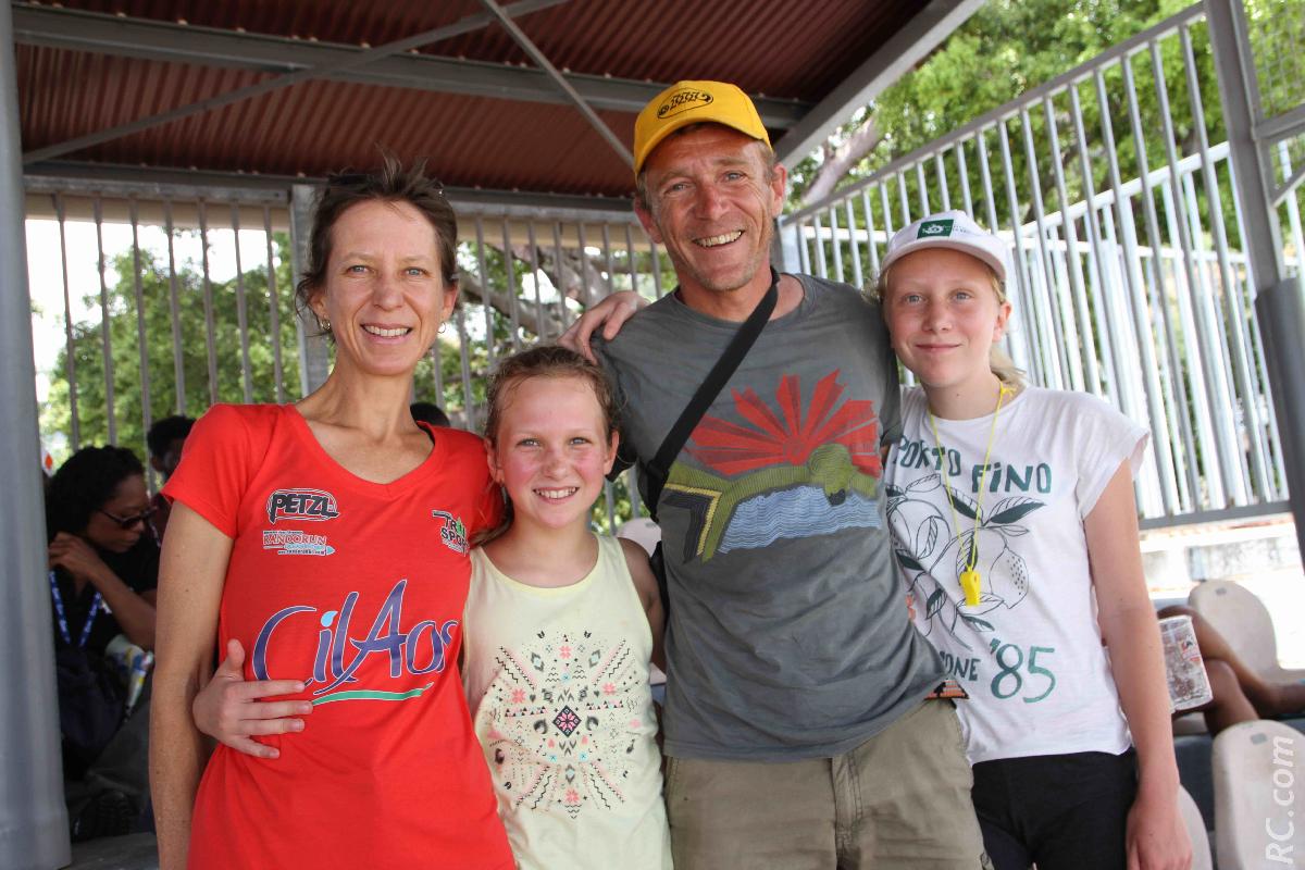 Nathalie, Thomas et leurs enfants Maélize et Tania