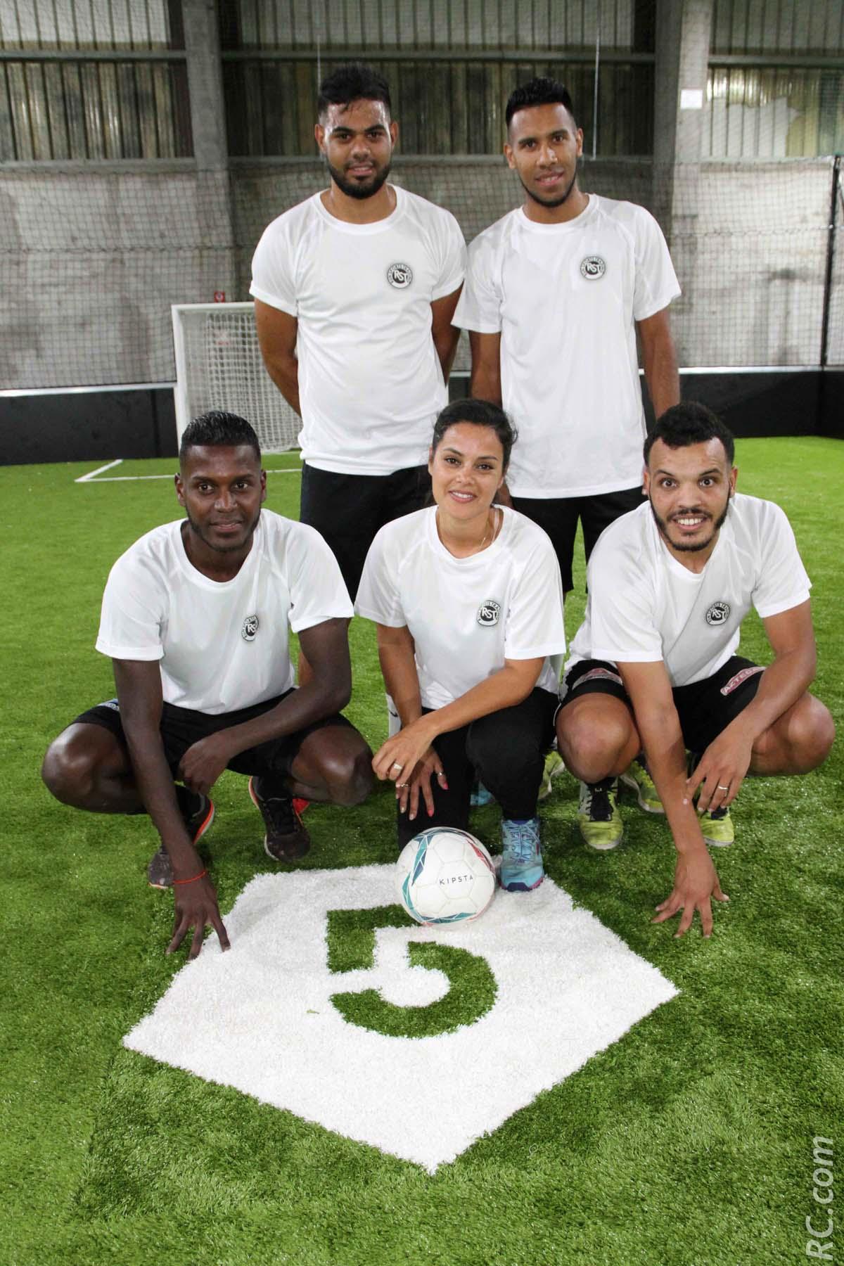 Katyana Castelneau était à la tête de cette équipe de football venue tester les installations du Five