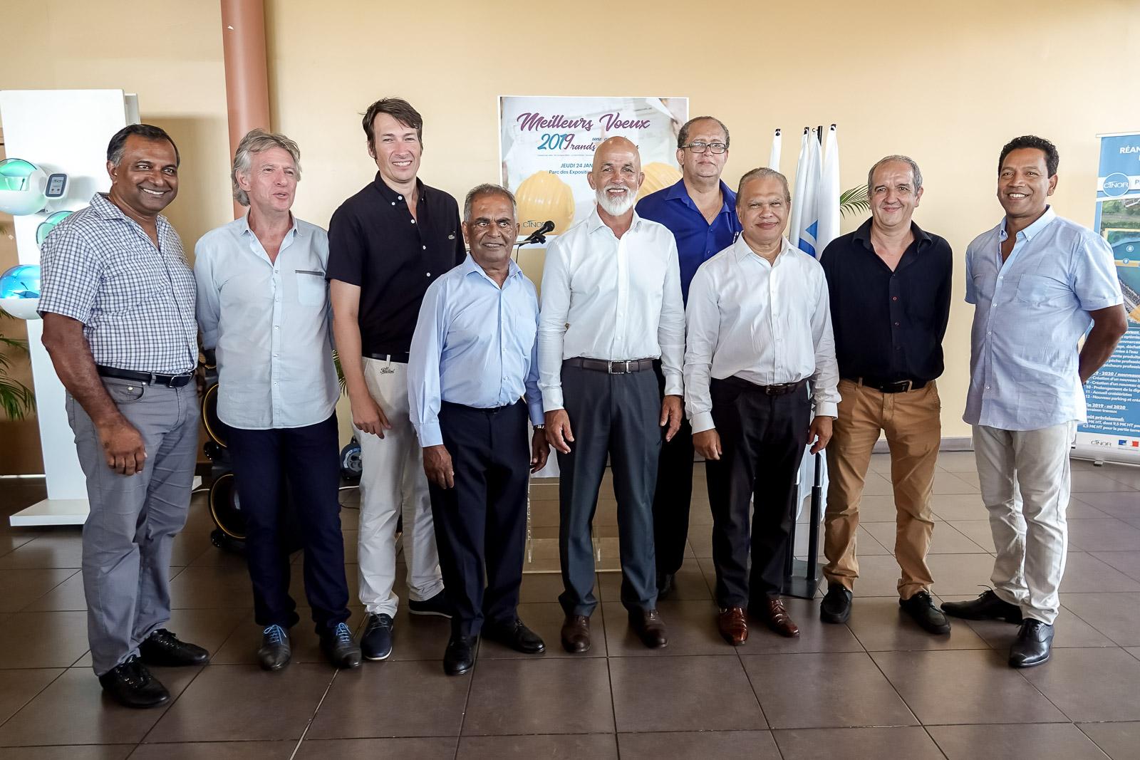 Gérald Maillot avec les élus et les cadres de la CINOR