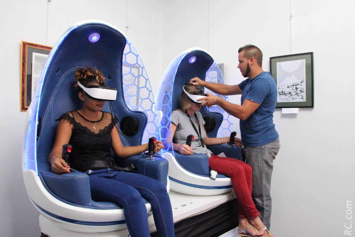 A vos casques, et c'est parti pour les sensations fortes du simulateur