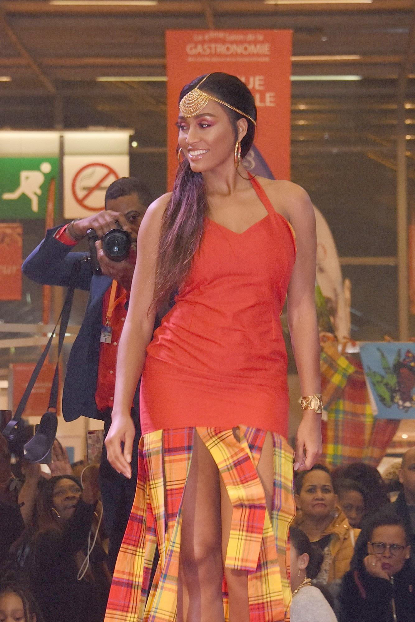 Défilé Glam Ethnik (Ayden). Morgane Thérésine (3ème Dauphine Miss France 2017).
