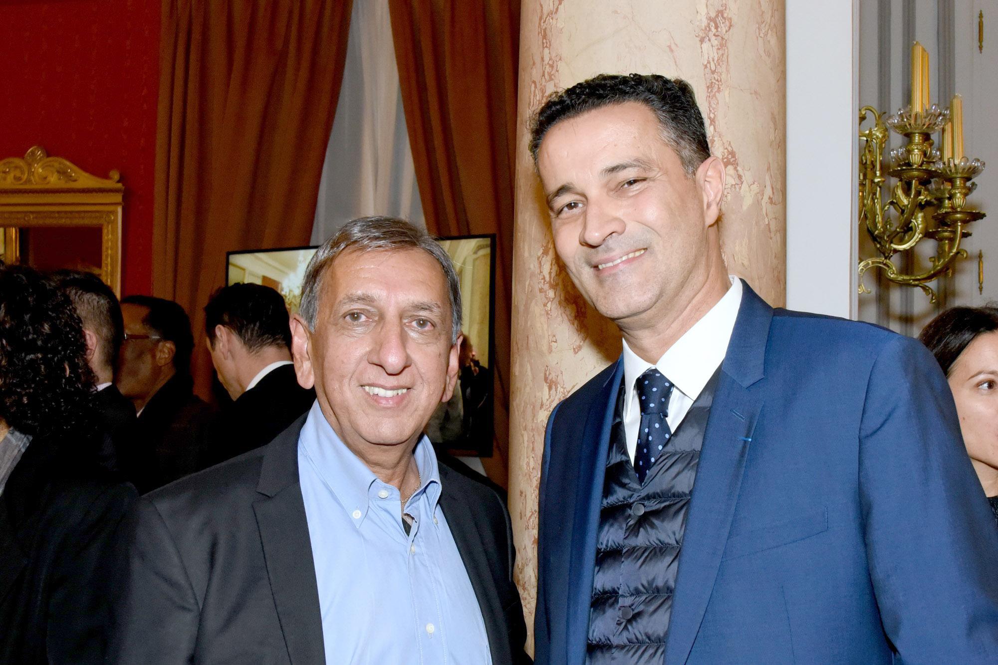 Aziz Patel et Stéphane Bijoux, directeur de l'information France Ô et des rédactions Outre-mer