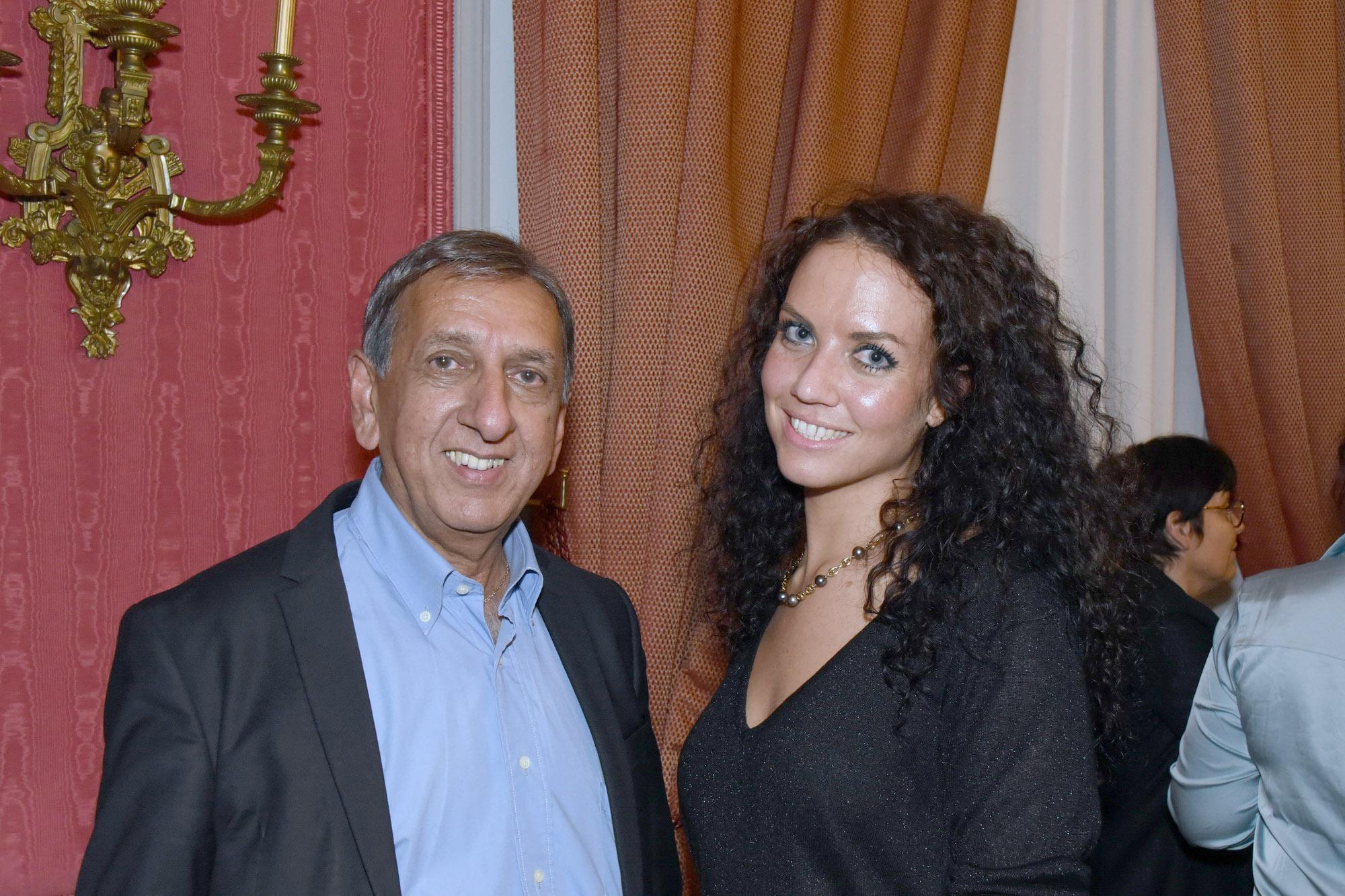 Aziz Patel et Virginie Prufer, attachée parlementaire, qui est la fille de Gérald, directeurdePolynésie Première