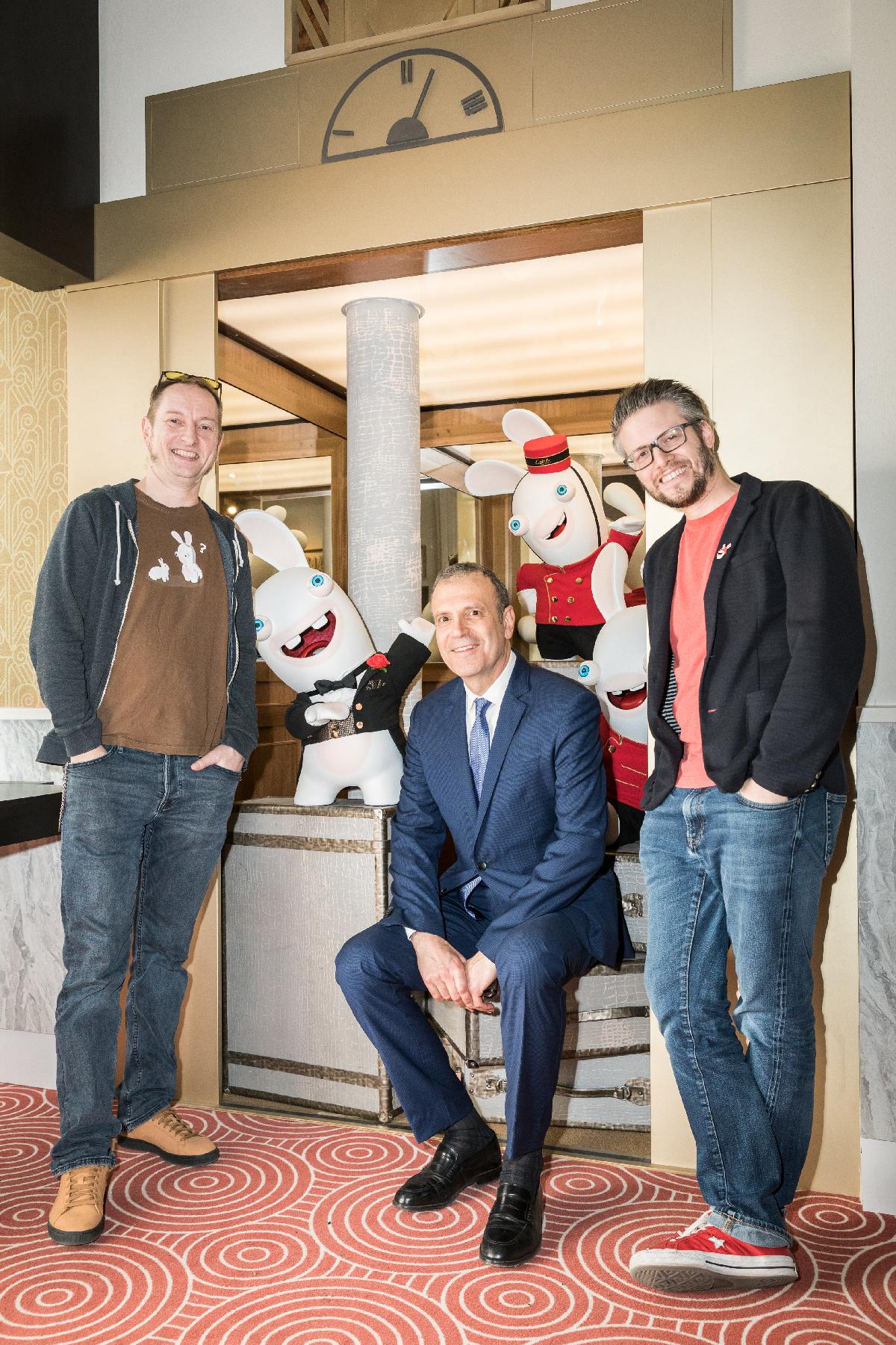 Cédric Royer et Xavier Manzanares d'Ubisoft, et Y Delhommeau, directeur général de Grévin
