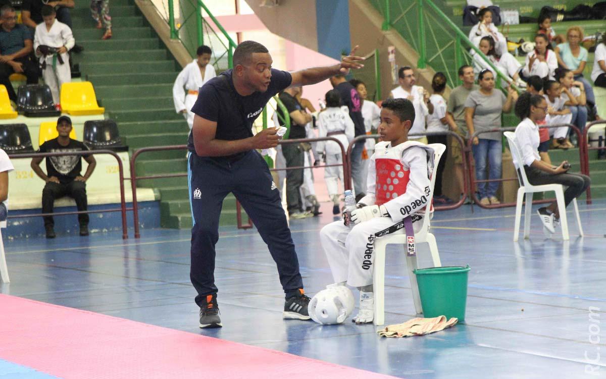 Laurent Abemonti, un coach rigoureux et toujours près de ses élèves