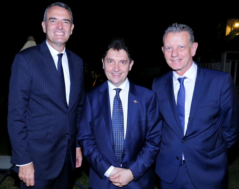 Emmanuel Cohet, ambassadeur de France à Maurice, Olivier Cadic, sénateur représentant les Français, et Bruno Millot, président de la section Réunion des CCE