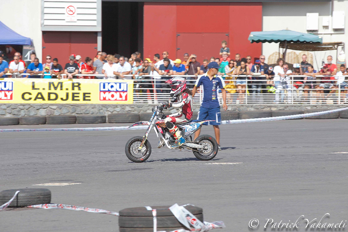 Les stunts et démonstrations motos ont attiré beaucoup de monde