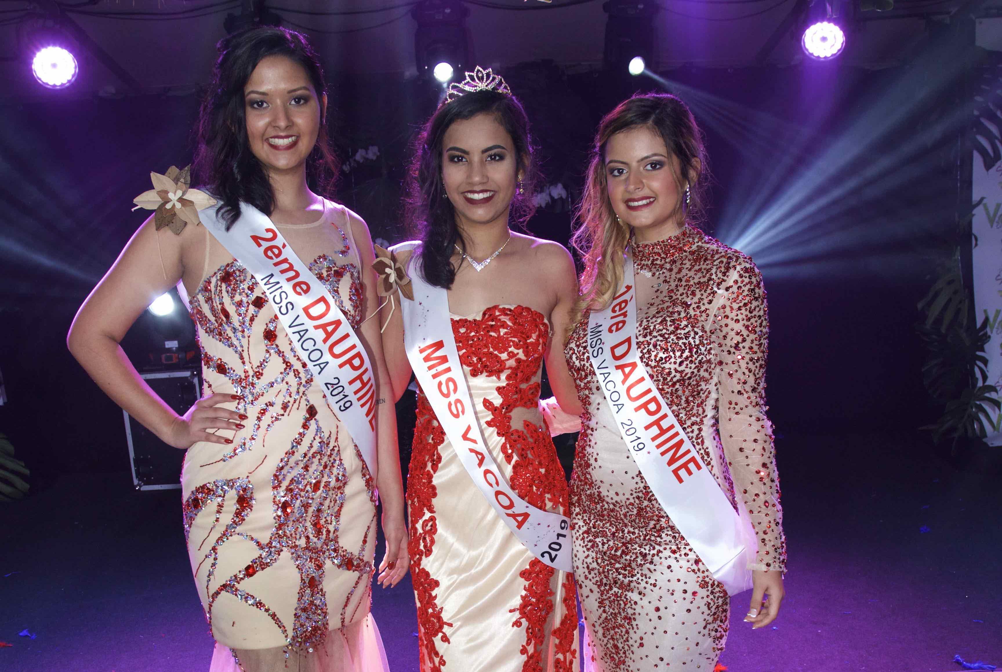 Gwendoline Fontaine, 2ème dauphine, Frideline Mouniama, Miss Vacoa 2019, et Flora Olivar, 1ère dauphine