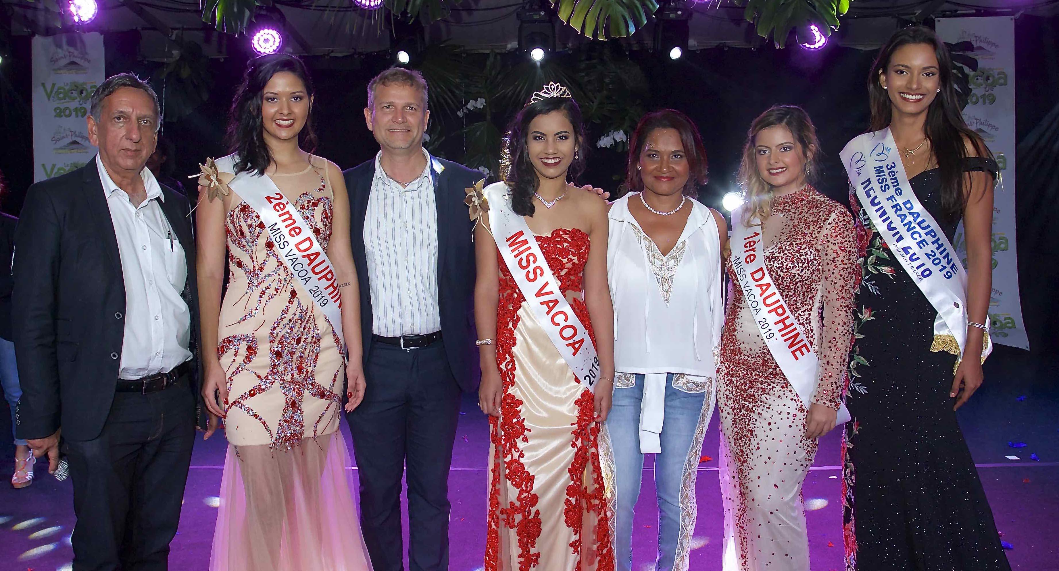 Aziz Patel, Gwendoline Fontaine, Olivier Rivière, Frideline Mouniama, Michèle Payet, Flora Olivar, et Morgane Soucramanien