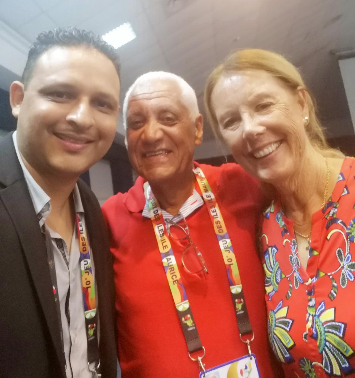 Johan Guillou (Basket), Jean-Claude Prianon, président de la LRA, et Véronique Lagourgue, responsable de la délégation de La Réunion