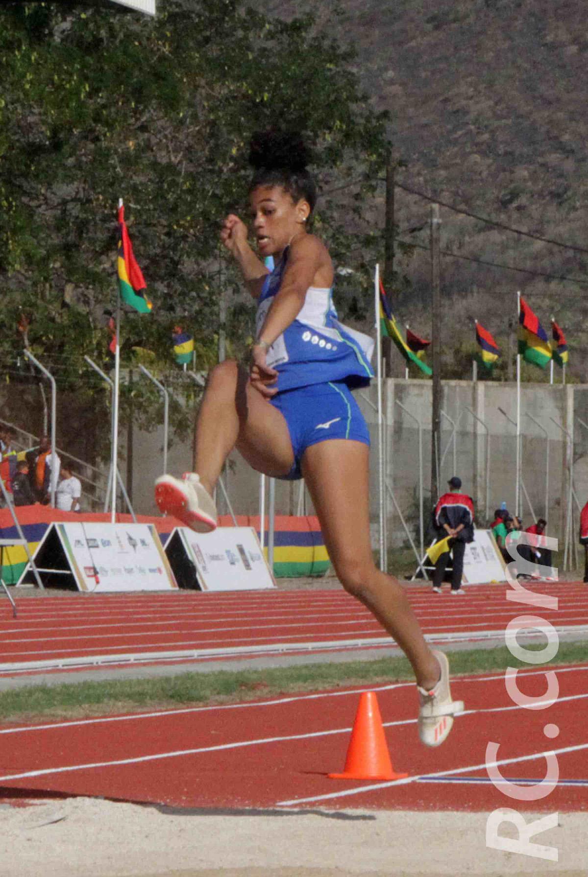 Jade Coreia à la longueur et une médaille de chocolat