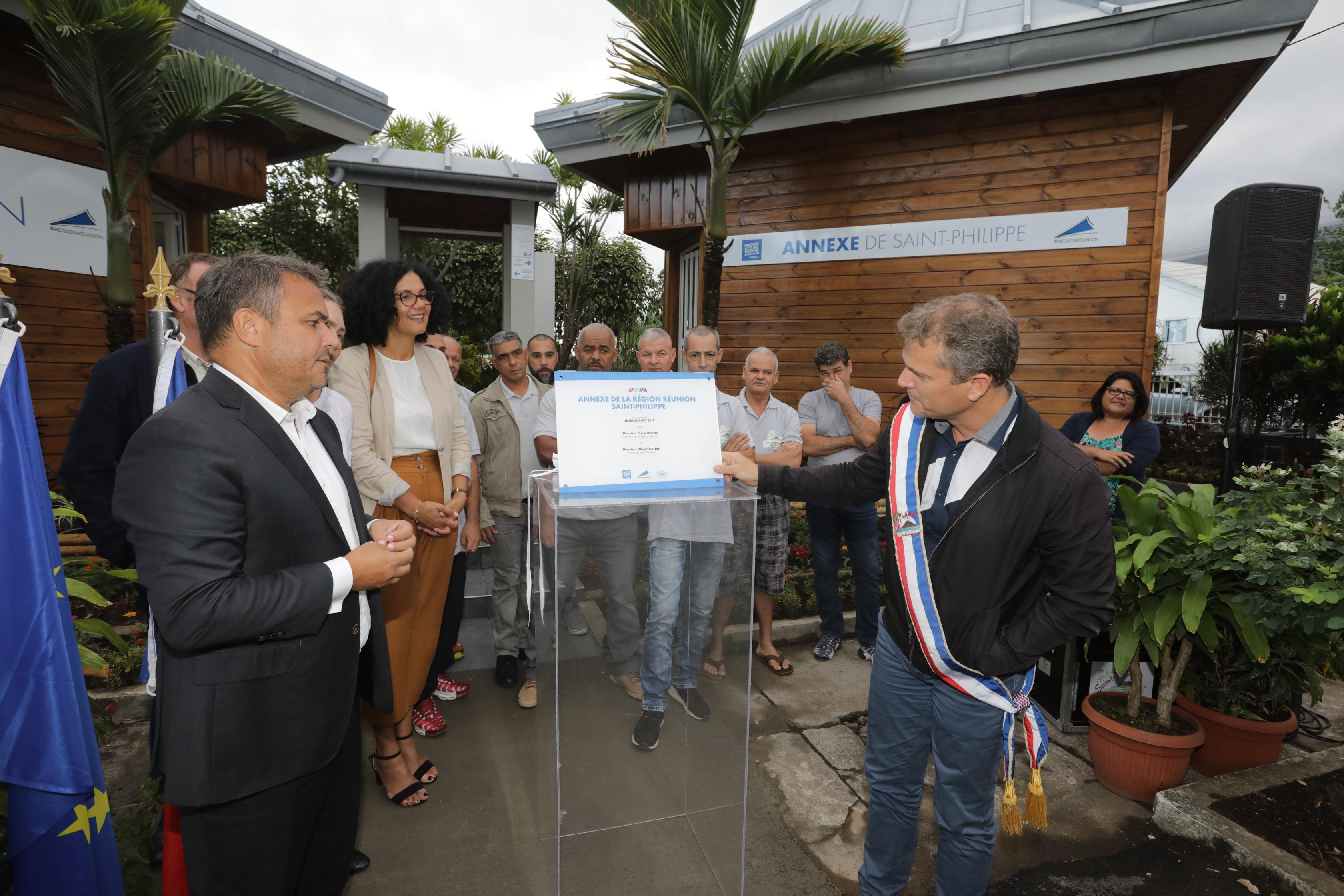 Didier Robert et Olivier Rivière ont inauguré l'annexe du Sud Sauvage