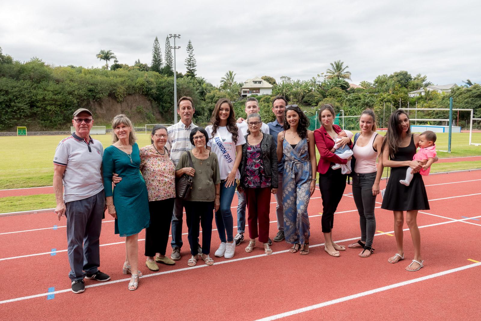 Miss Réunion avec la famille Carian dont le nouveau stade porte le nom de leur parent Victorien