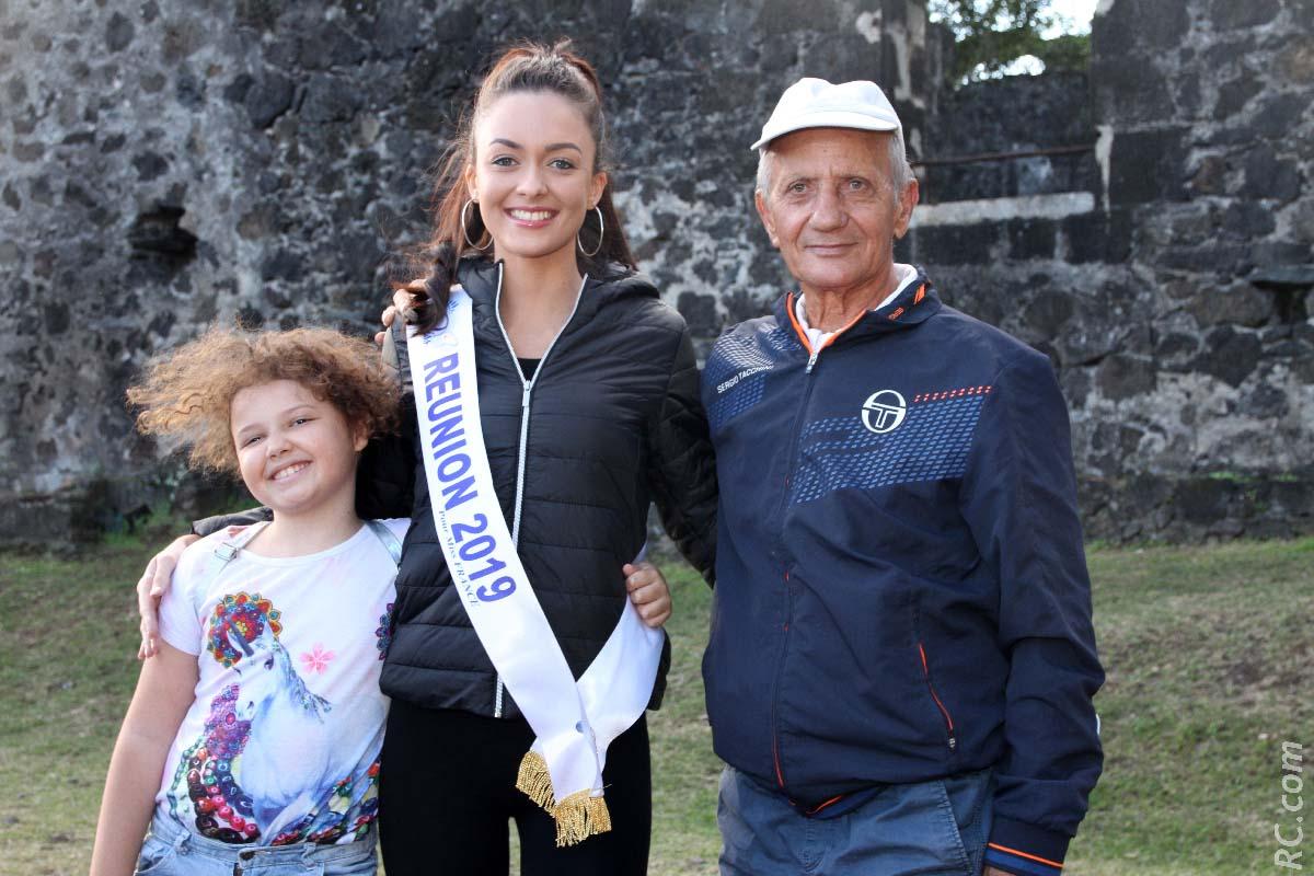 Miss Réunion et Achille Lebon qui est certainement le doyen des coureurs à pied de Saint-Joseph