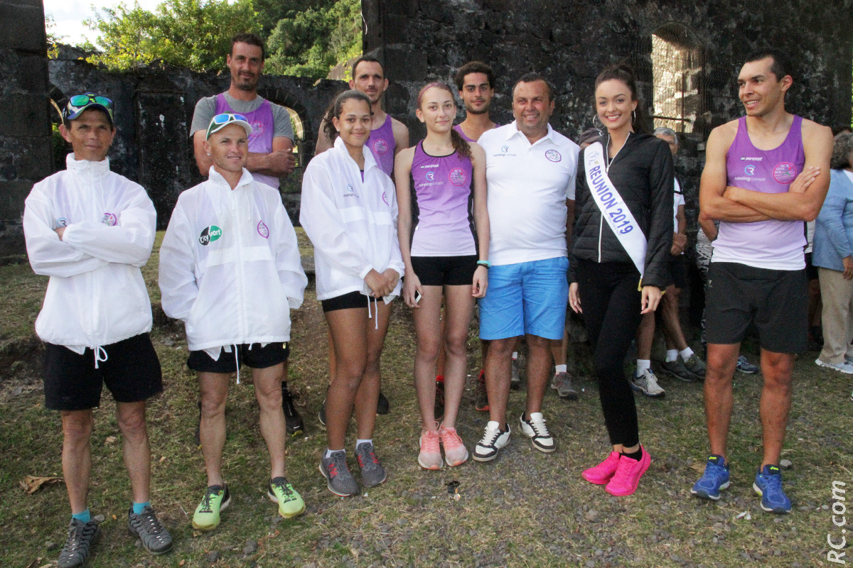 Quelques athlètes de l'Association Culturelle et Sportive du Grand Sud présidé par Patrick Vidot ( à côté de Morgane Lebon sur la photo)