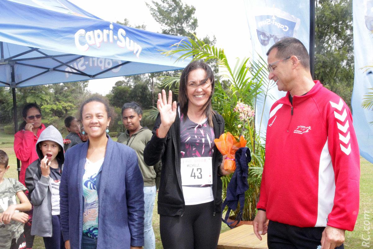 Michelle Taraconat de CapriSun, entourée de Emmanuelle Gonthier et de Daniel Parny, adjoints au maire