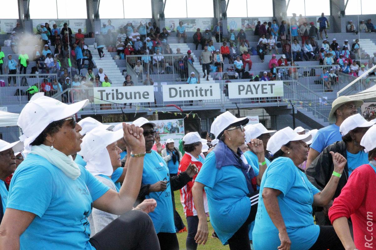 La Tribune Dimitri Payet bondée de seniors