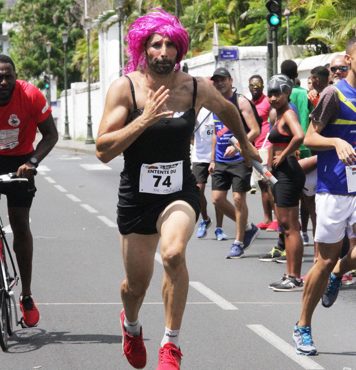 L'ancien champion de France de saut en longueur, Salim Sdiri: «Sort' devant»!