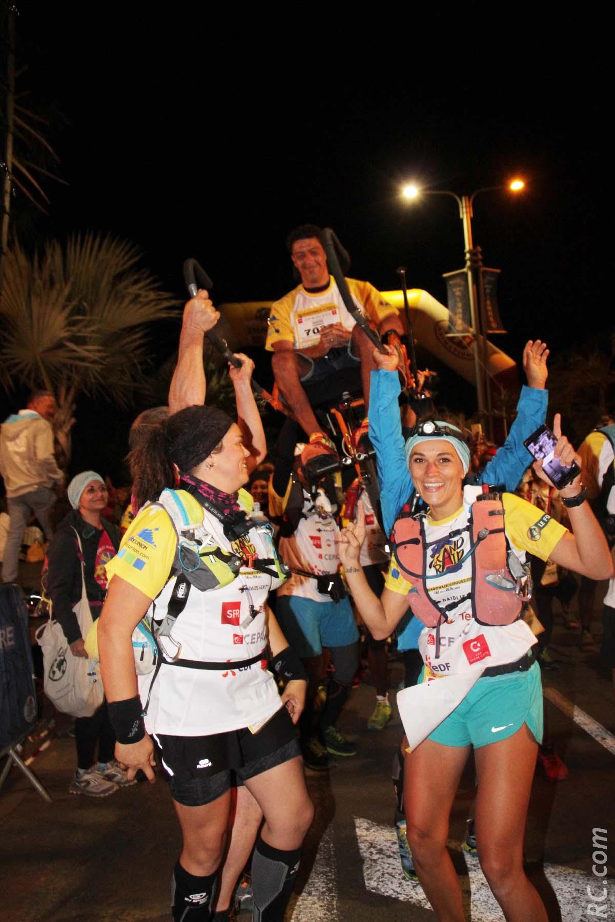 Les participants de Réunion Joëlette Aventure ( RAJ ) sont partis les premiers de la Ravine Blanche
