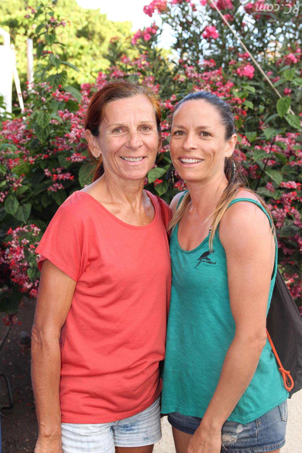 Julie Rivière et sa maman venue prendre son dossard