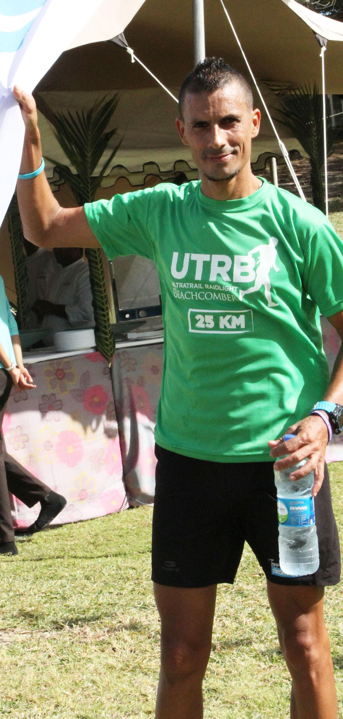 Frédéric Duchemannsur les 25km Entraîné par Nicolas Charretier, Frédéric Duchemann (39 ans) est trois fois champion de la Réunion course de montagne, Champion de la Réunion de cross en 2014, Champion de la Réunion du 5 000 m.