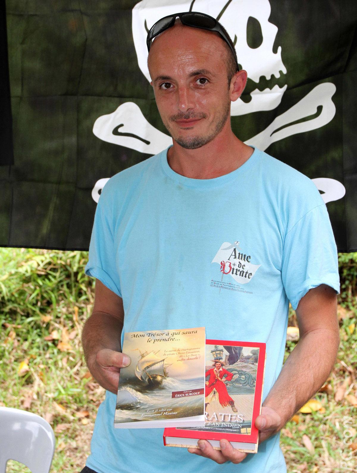 Emmanuel Mézino a publié deux ouvrages: «Mon trésor à qui saura le prendre» et «Pirates de l'Océan Indien»