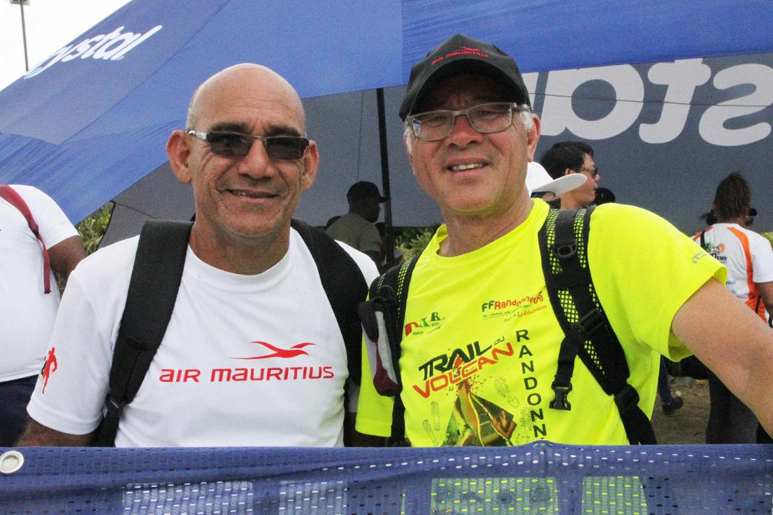 Jean-Claude Ah-Kang dit «Waro», président de l'association des Motards de Rodrigues et Michel Chong Fa Sheng, président de Réunion Rando Passion