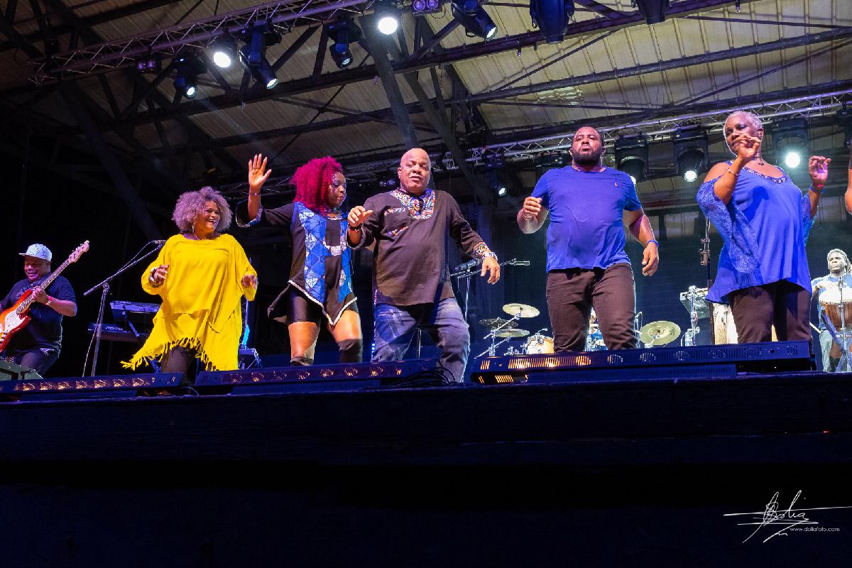 Kassav en concert à Expobat: succès fou!
