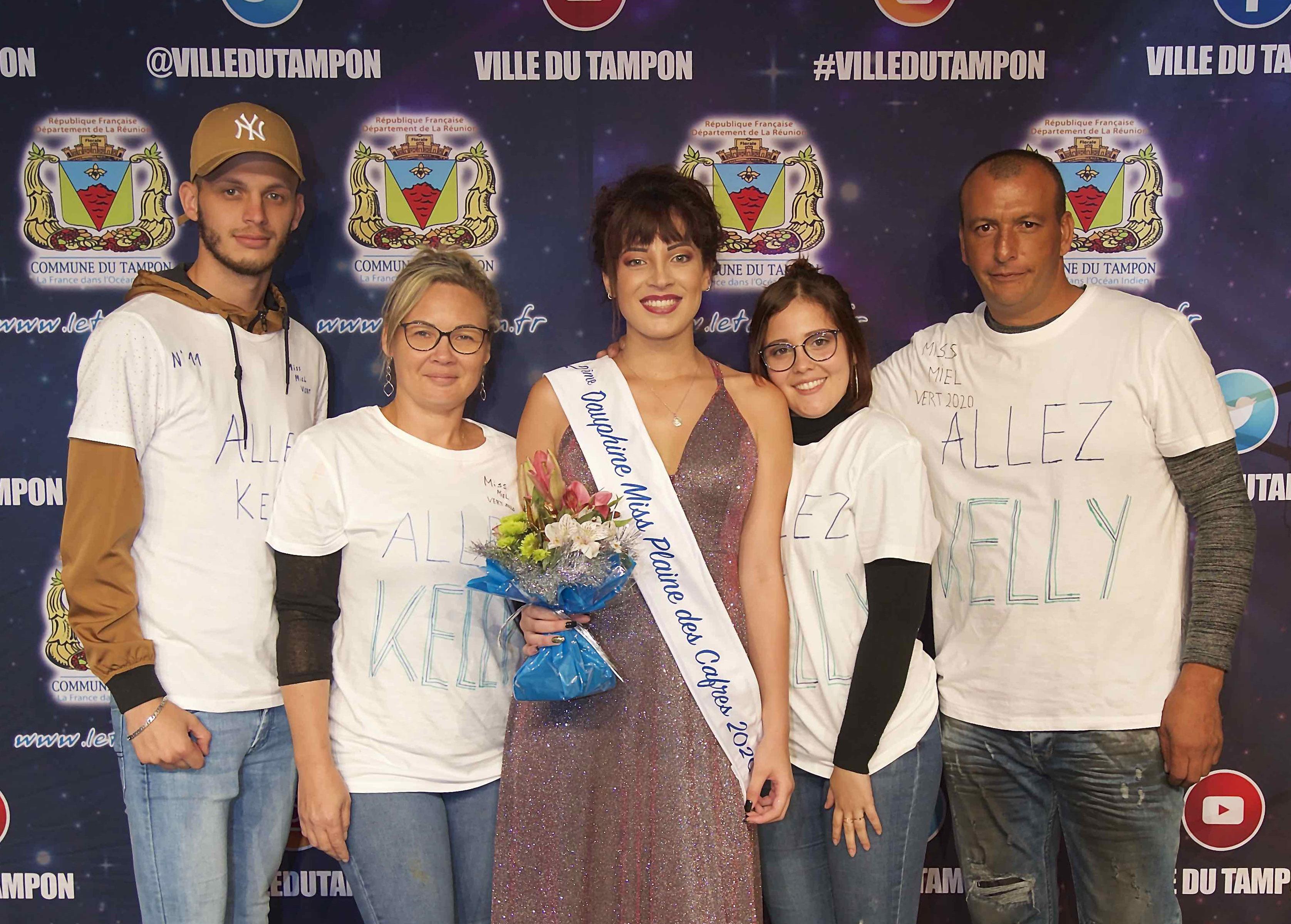 Kelly Hoarau et sa famille