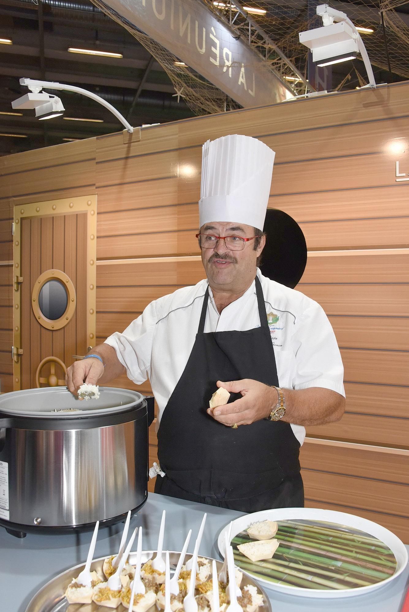 Philippe Doki-Thonon faisait déguster quelques petites spécialités réunionnaises