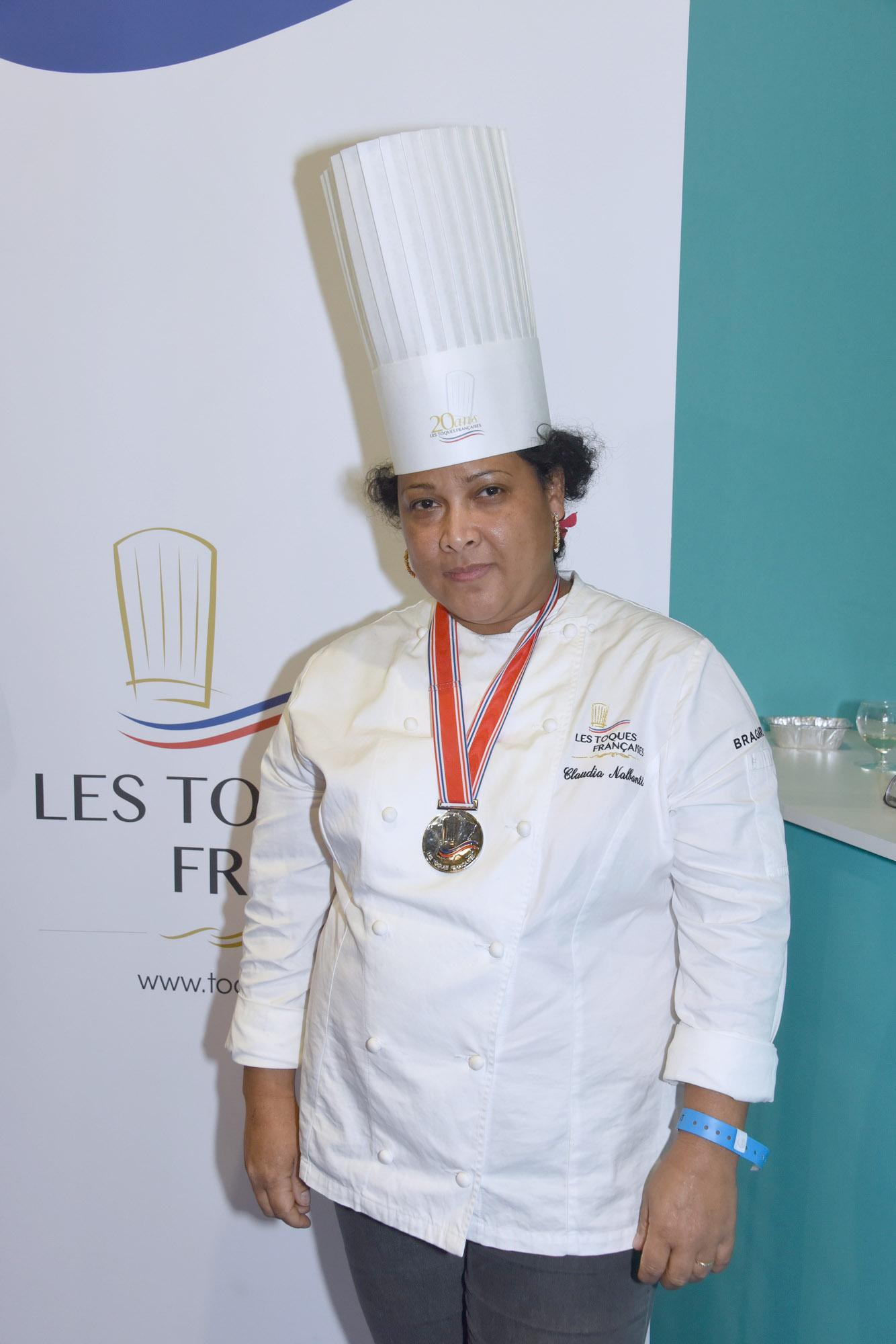La jurée réunionnaise, Claudia Nalbanti (Toques françaises) traiteur et aussi enseignante en cuisine à Angoulême
