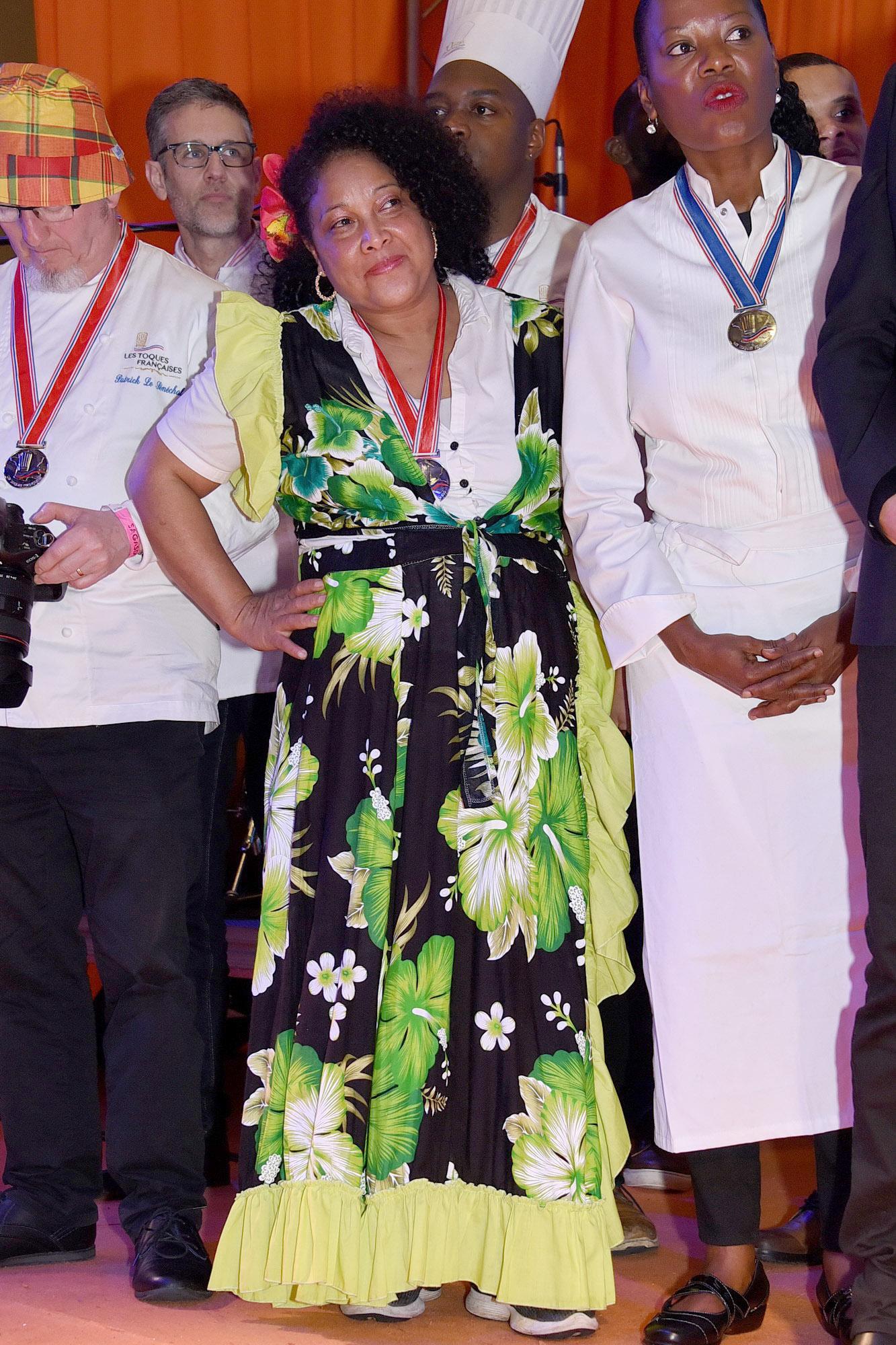Pour le palmarès, Marie Claudia Nalbanti, membre du jrury, avait mis la tenue locale !