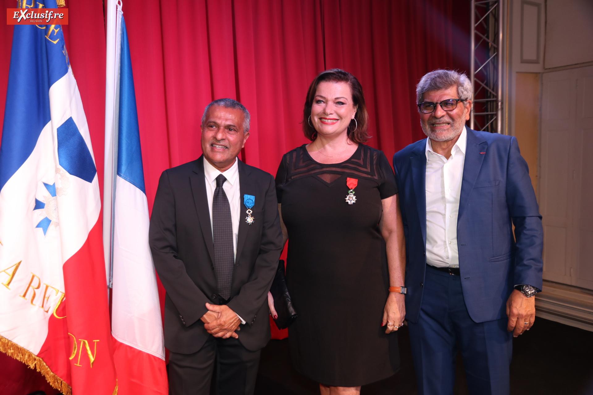 Younous Ravate et son frère Adam, entourant Jeanne Loyher, conseillère municipale de Saint-Denis