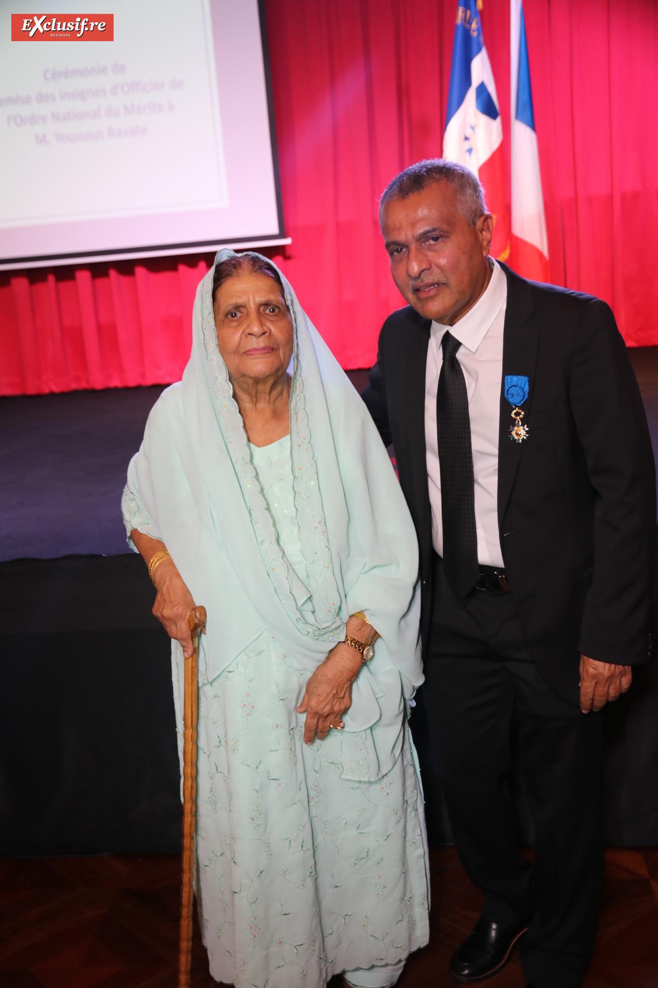 Younous Ravate et sa mère Fatma