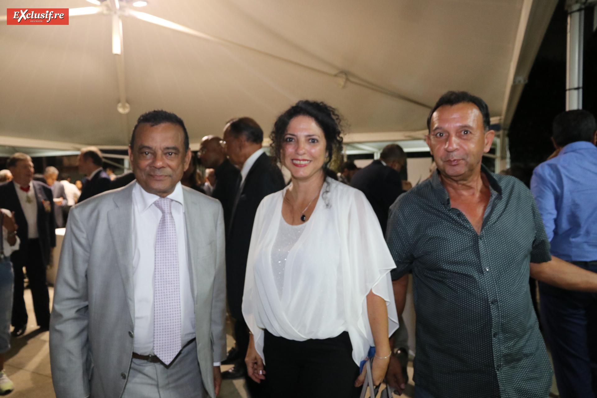 Ivan Collendavelloo, Premier Ministre adjoint de l'île Maurice, Julie Boyer de l'Office du Tourisme de Saint-Pierre, et André Gigan de la PAF