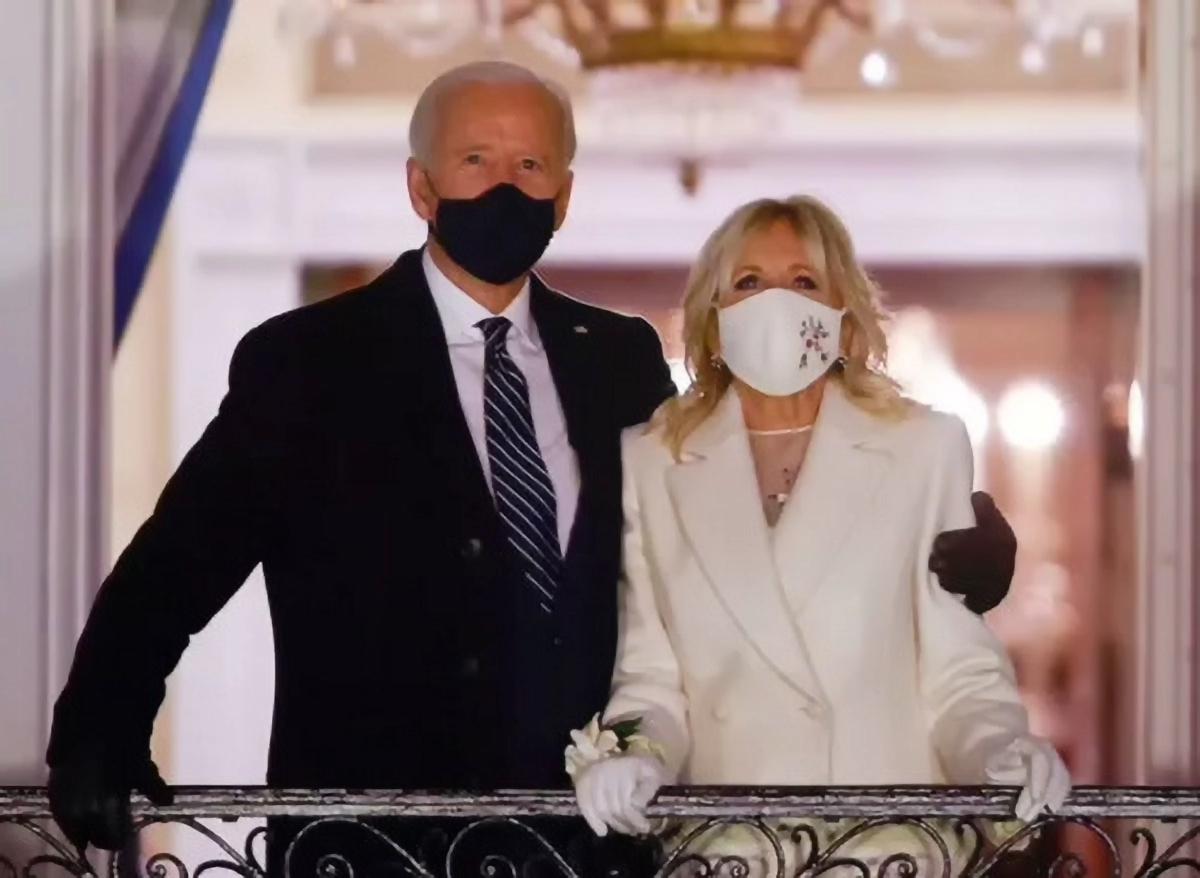 Le couple présidentiel au balcon de la Maison Blanche...