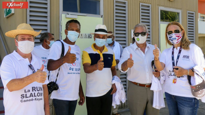 Maurice Gironcel (avec les solaires), président de la Cinor, entouré de quelques membres de l'organisation